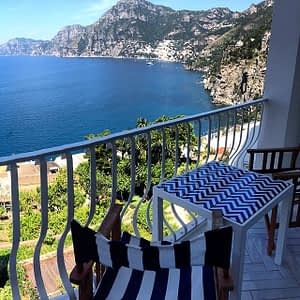 amalfi coast is a most popular honeymoon spot in italy